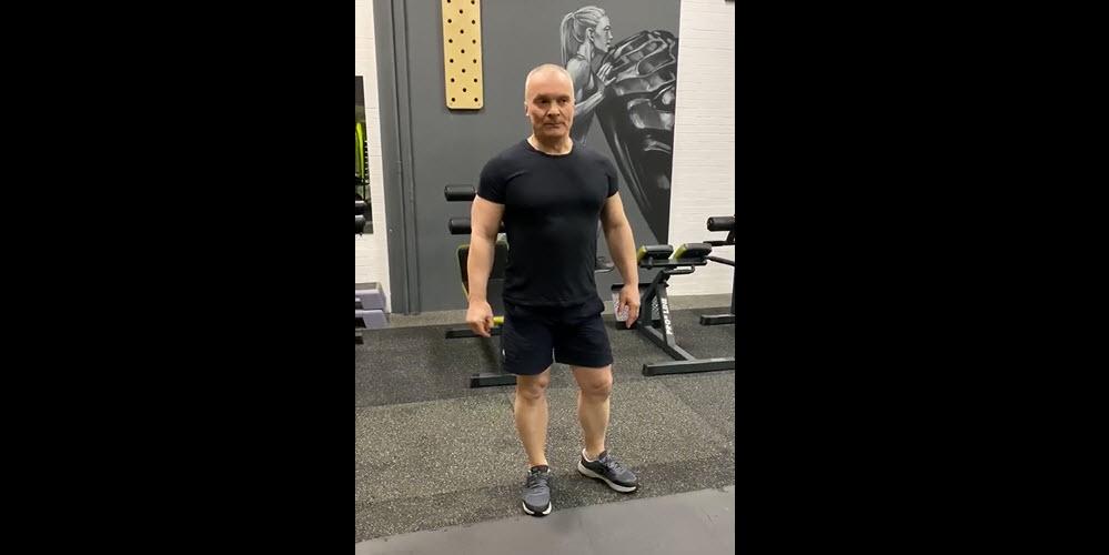 Упражнения на пресс и трицепс